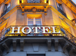 5 tips to saving money on hotels when travelling abroad